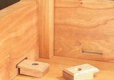 table top fasteners keine Ahnung, wie diese Teile auf deutsch heissen. #WoodWorking