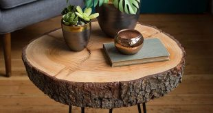 DIY Wood Slice Table You really only need a few materials to make this stylish D...